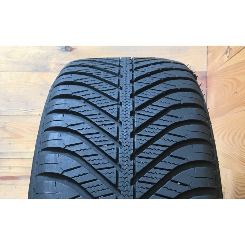 155/65R14 Goodyear Vector 4 Seasons