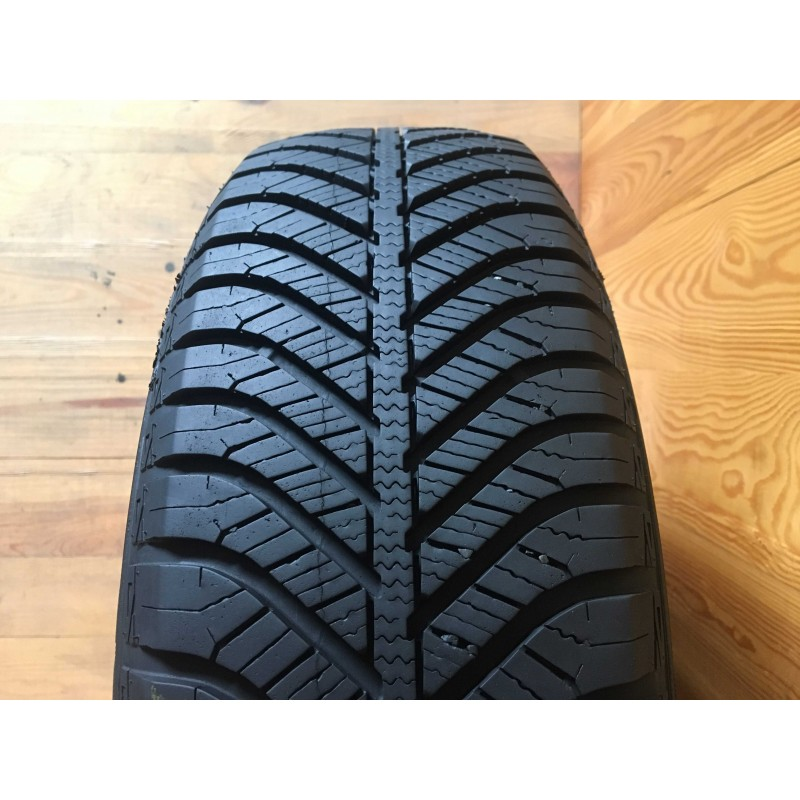 195/65R15 GoodYear Vector 4Seasons