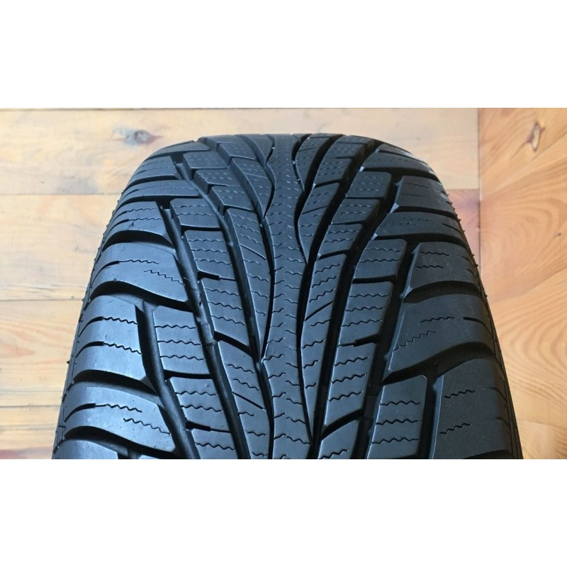 245/65R17 Maxxis VictraSUV