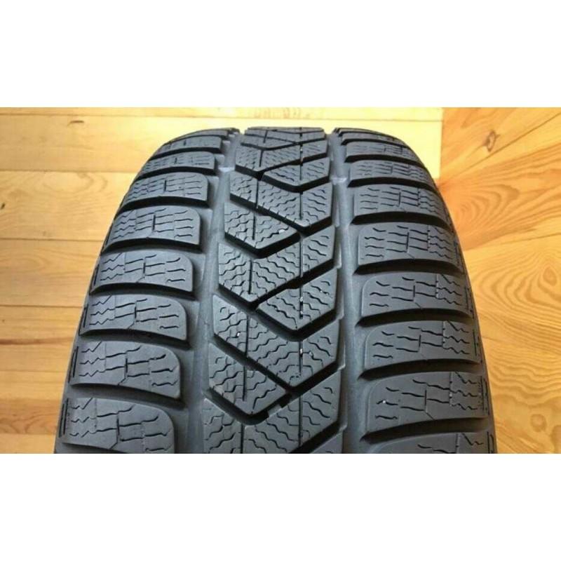 215/60R16 Pirelli Sottozero 3